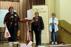 2017 Expo at Sale - Jan Parker (left), VAFHO President, presenting one of the major prizes from Unlock The Past to Barbara Hawkins (centre), Port Phillip Pioneers