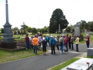 They answered the call: a World War 1 walk in Cranbourne Cemetery